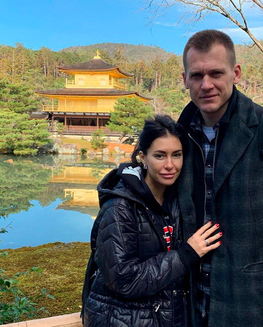 Артём Ребров с женой