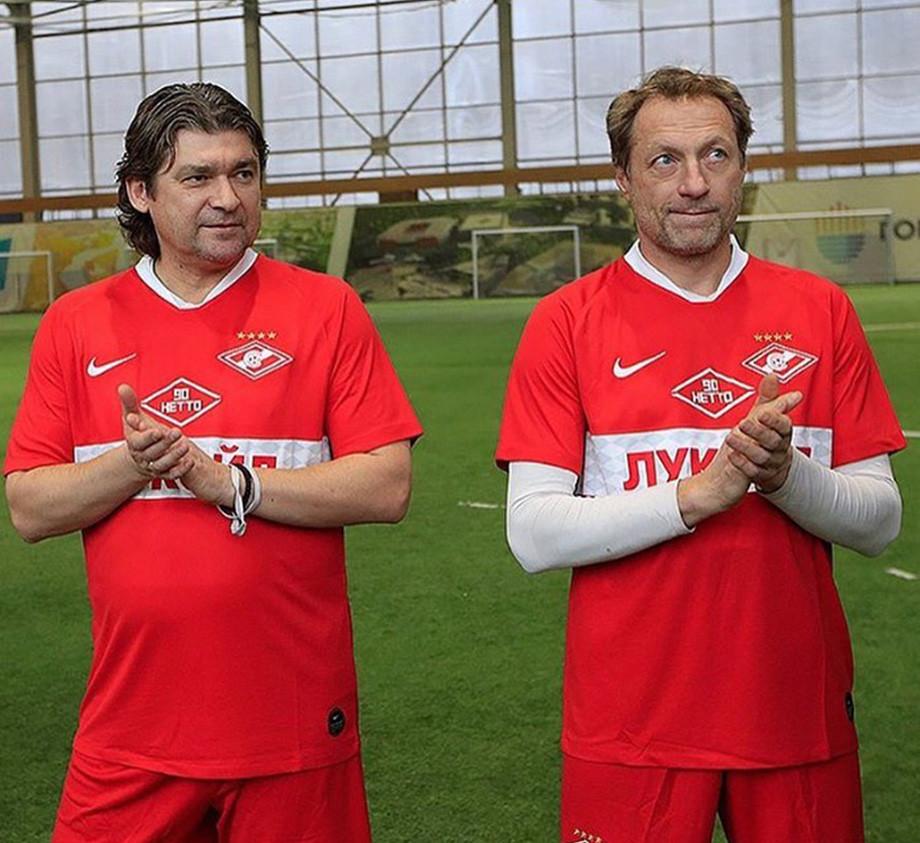 «Какая разница, с кем играть – с «Барселоной» или Находкой?». Где сейчас Дмитрий Хлестов