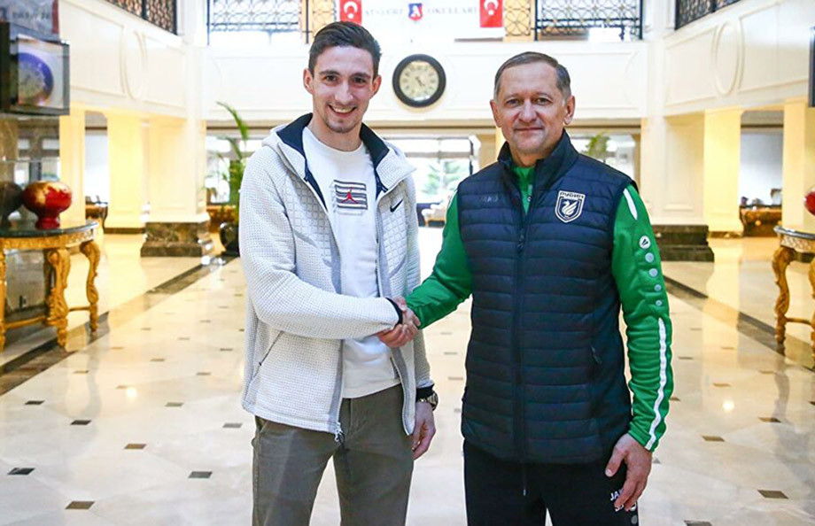 Солтмурад Бакаев (слева)