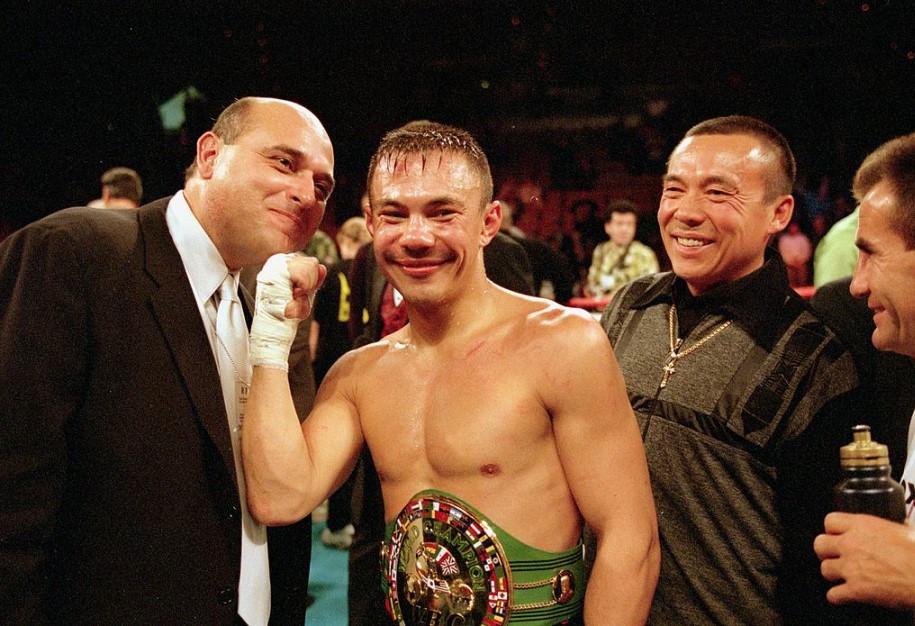 Артур Бетербиев и другие российские боксёры, выигравшие больше одного пояса