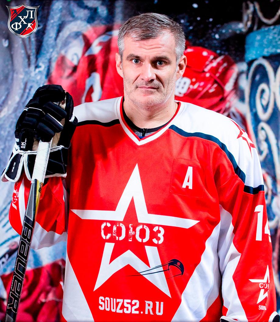 ВКстове тренер спас хоккеиста отсмерти ипопал навидео