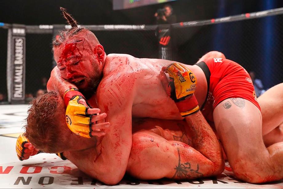 Николас Далби участник одного из самых кровавых боёв в истории ММА, фото