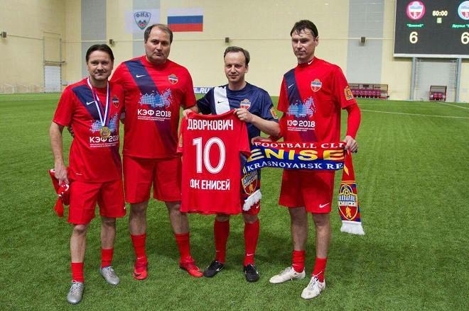 13 апреля в Красноярске прошёл товарищеским матч с участием Аленичева и Титова