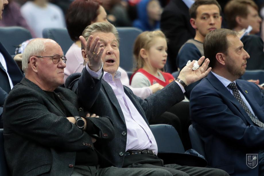 Лев Лещенко в первом ряду и обида Итудиса
