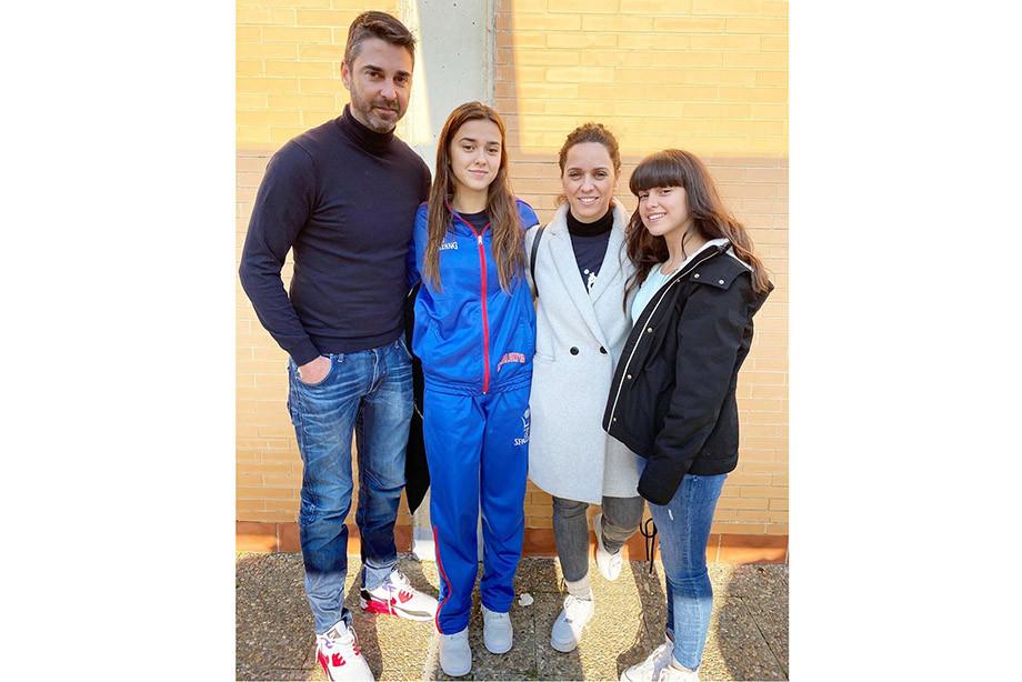 Дочери легенды «Барселоны» Хуана Карлоса Наварро Люсия и Эльза идут по стопам отца