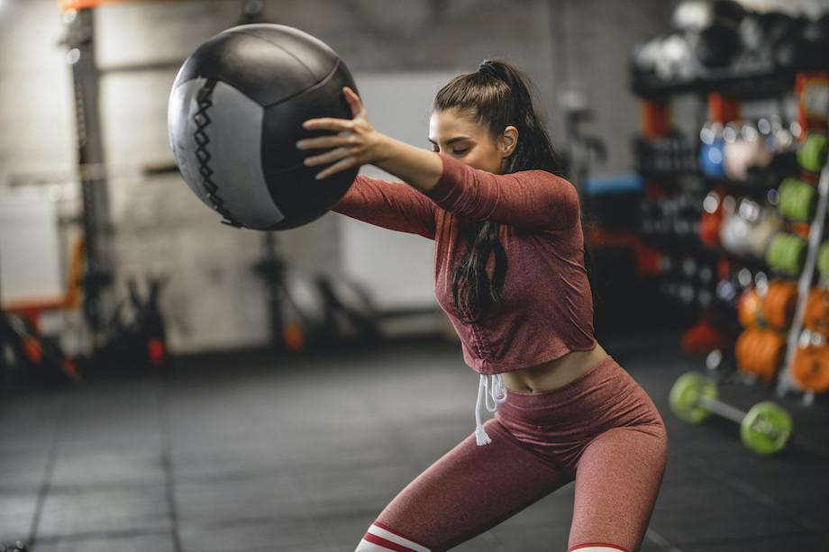 Упражнения от супермодели Наоми Кэмпбелл. 30-минутная домашняя тренировка
