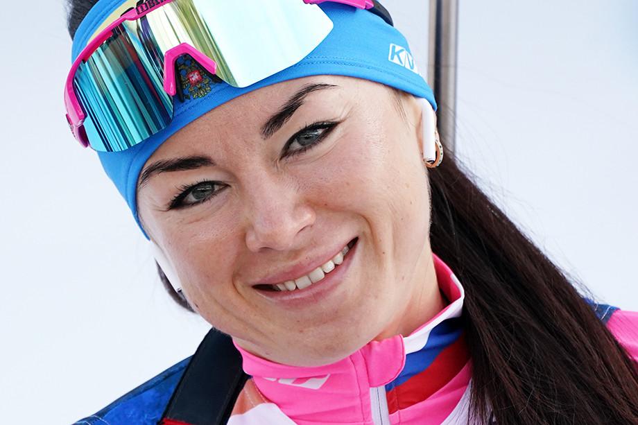 Женская сборная России по биатлону почти год без медалей Кубка мира – что происходит