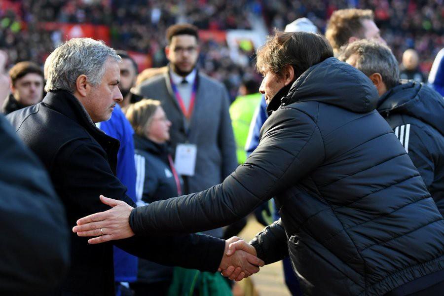 «МЮ» — «Челси»: Моуринью и Конте обменялись рукопожатием перед матчем