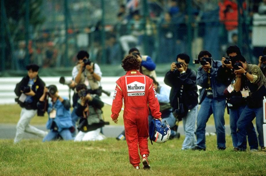 Ален Прост после столкновения с Сенной на Гран-при Японии-1989