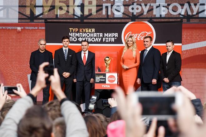 В октябре Кубок Чемпионата мира по футболу FIFA посетил 8 городов России