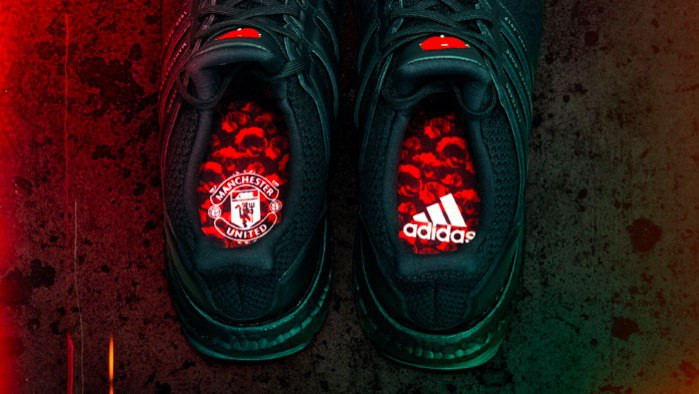 Кроссовки Adidas x Manchester United
