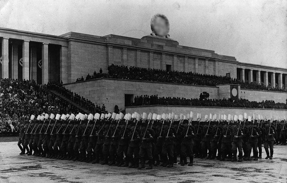 Как место нацистских маршей превратили в культовый автодром. Тёмное прошлое «Норисринга»