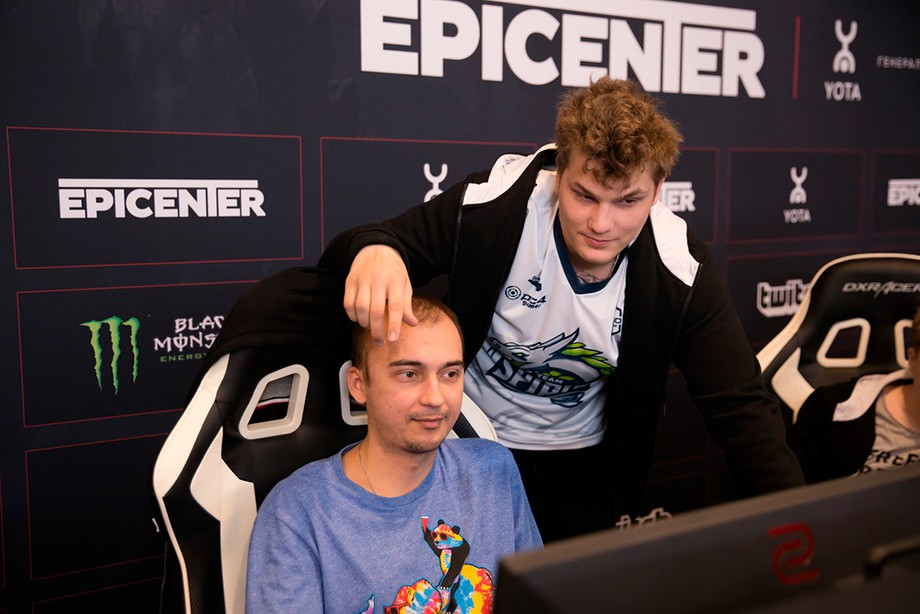 Virtus.pro вышла в плей-офф турнира EPICENTER XL