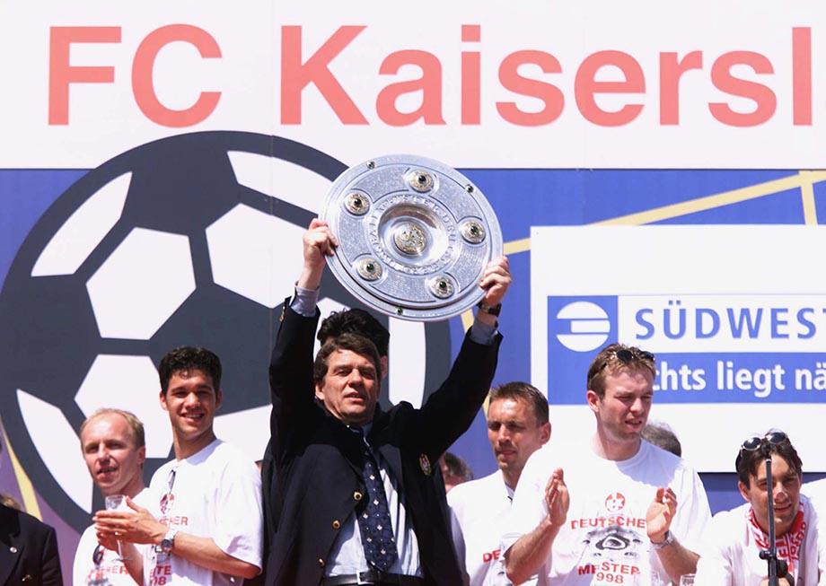 1998 год. Отто Рехагель и Михаэль Баллак на праздновании чемпионства «Кайзерслаутерна»
