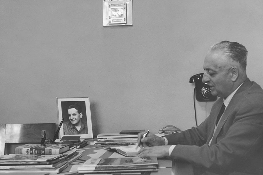 Ссора Жиля Вильнёва и Дидье Пирони в сезоне-1982 Ф-1, отрывок из книги про Энцо Феррари