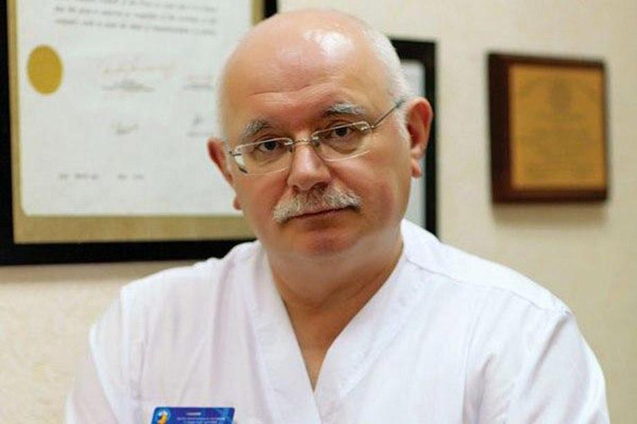 Профессор Макаров