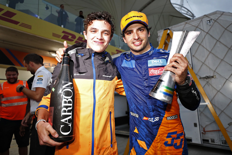 Ландо Норрис и Карлос Сайнс после Гран-при Бразилии