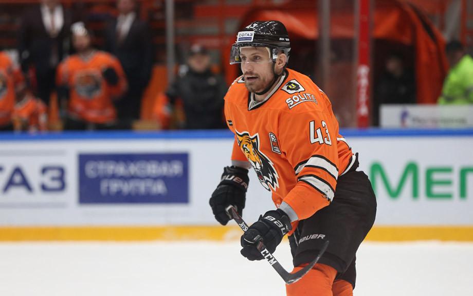 Сможет ли Коршков реально усилить «Локомотив»? Главные трансферы недели в КХЛ