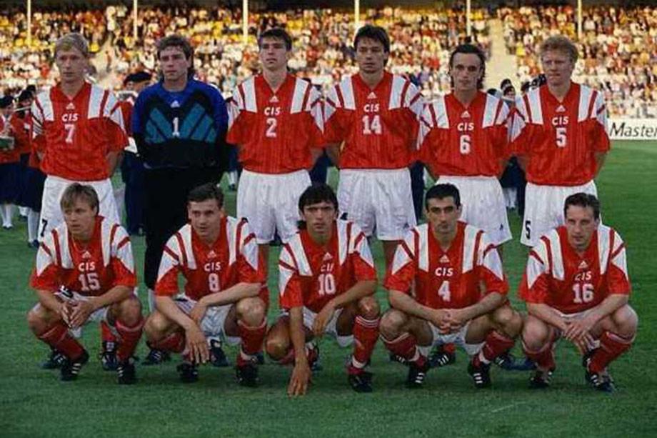 Сборная СНГ перед матчем с немцами на Евро-1992