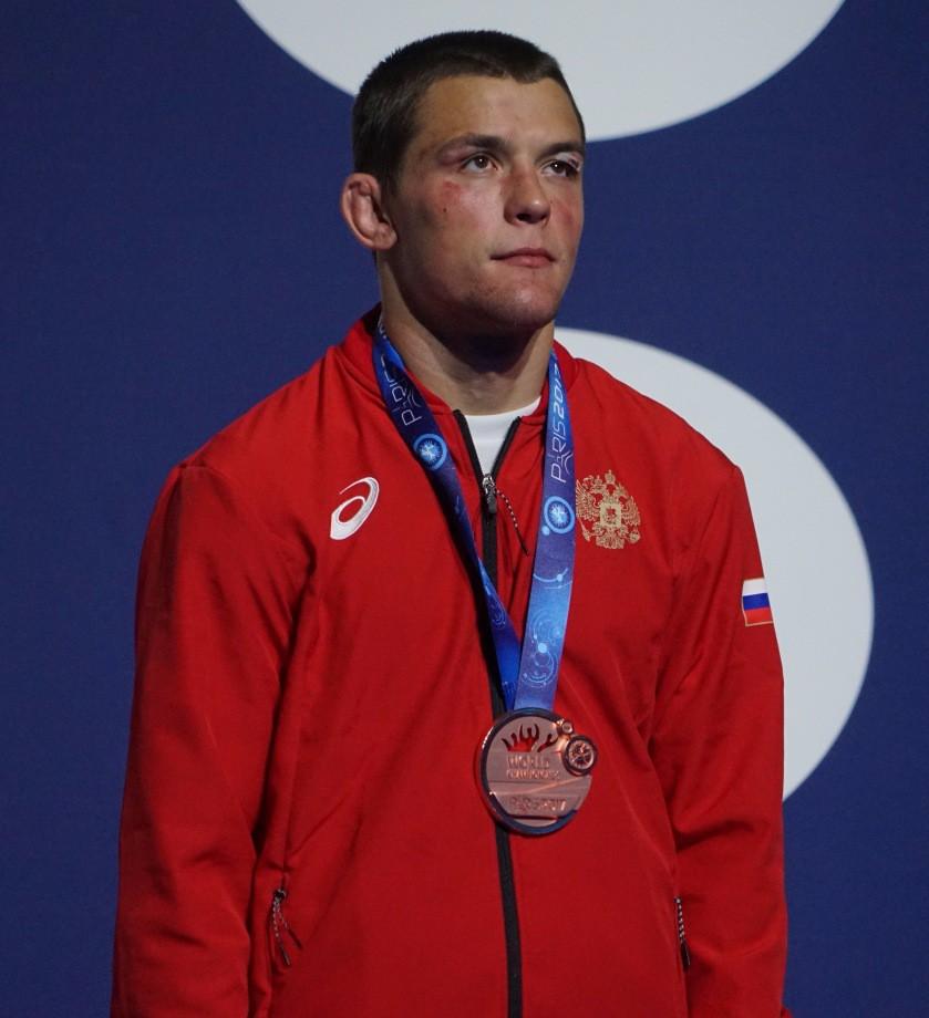 Артём Сурков с бронзовой медалью