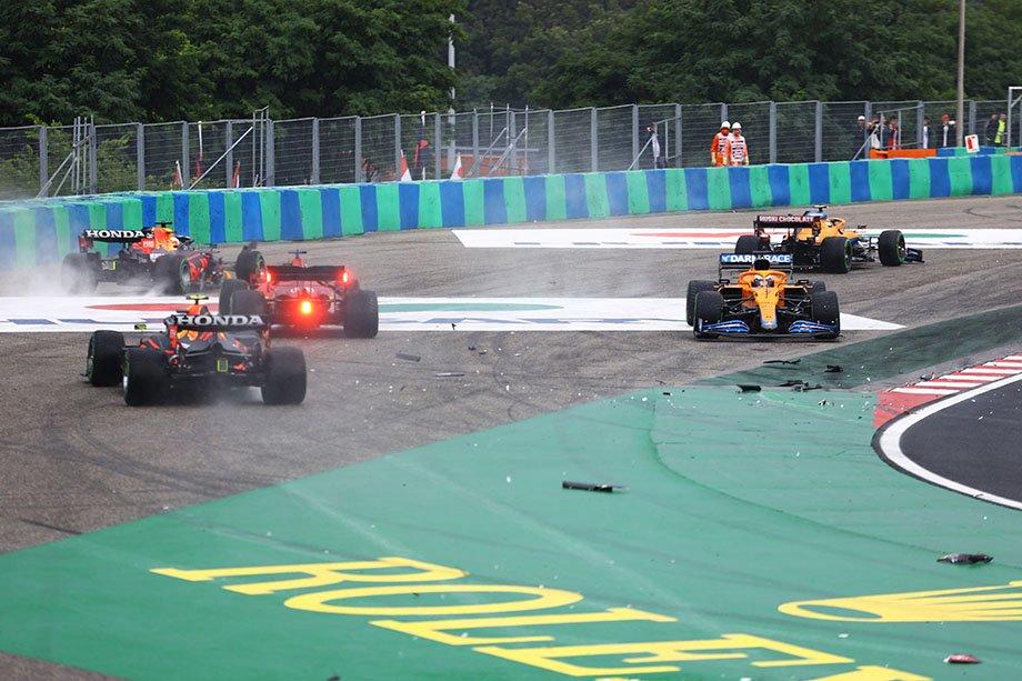 Завал на старте Гран-при Венгрии