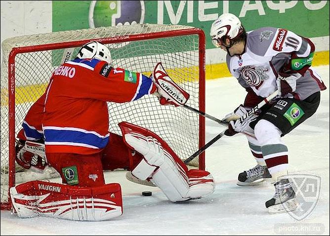 02.11.2010. КХЛ. ЦСКА - Динамо Р - 4:3. Фото 01.