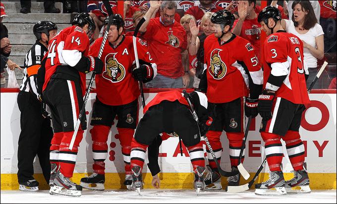 """5 мая 2013 года. Оттава. Плей-офф НХЛ. 1/8 финала. Матч № 3. """"Оттава"""" — """"Монреаль"""" — 6:1. Сейчас Пажо соберет зубы и забросит """"Монреалю"""" три шайбы"""