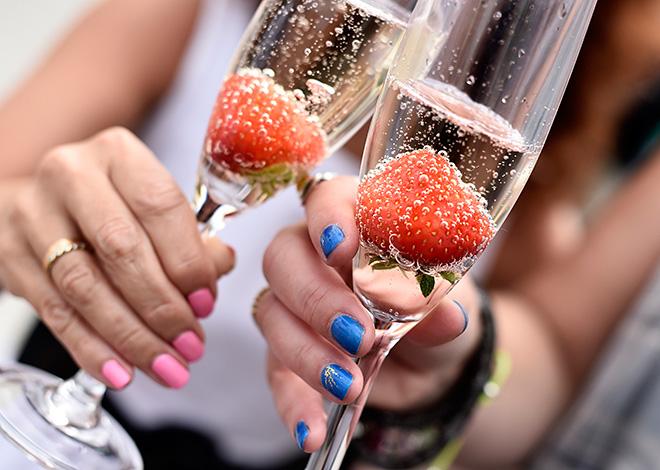 Знаменитая уимблдонская клубника и шампанское