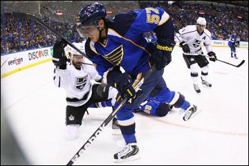 "29 апреля 2012 года. Сент Луис. Плей-офф НХЛ. 1/4 финала. ""Сент-Луичс Блюз"" — ""Лос-Анджелес Кингз"" — 1:3"
