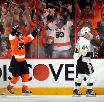 """16 апреля 2012 года. Филадельфия. Плей-офф НХЛ. 1/8 финала. """"Филадельфия Флайерз"""" — """"Питтсбург Пингвинз"""" — 8:4"""