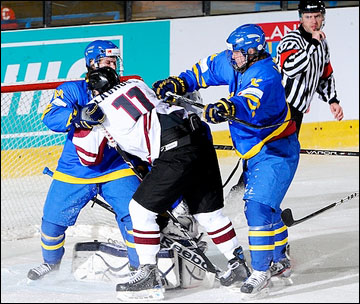 15 апреля 2012 года. Зноймо. Юниорский чемпионат мира. Латвия — Швеция — 1:3