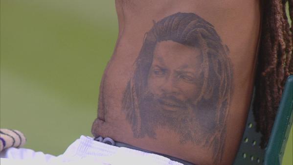 Татуировка Дастина Брауна в крупном виде.