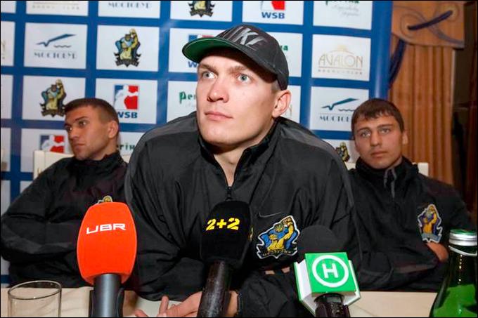 Василий Ломаченко, Александр Усик и Денис Беринчик.
