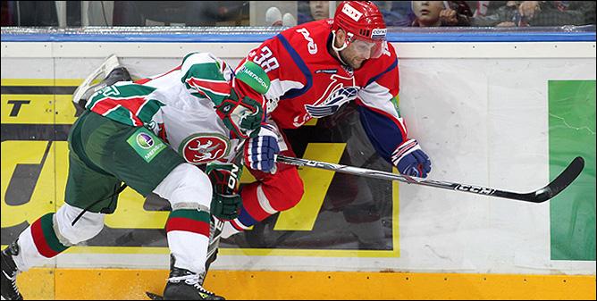 03.11.2010. Локомотив - Ак Барс - 1:3. Фото 02.