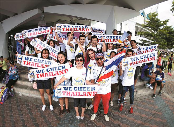 Фанаты сборной Таиланда