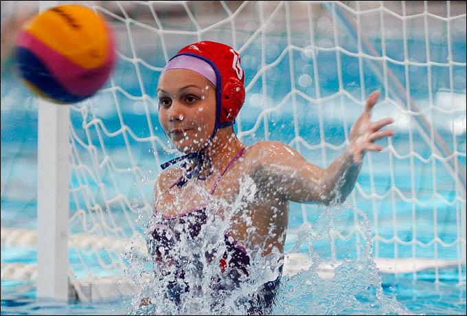 Голкипер нашей команды Анна Карнаух провела отличный турнир. к сожалению, для медалей этого не хватило