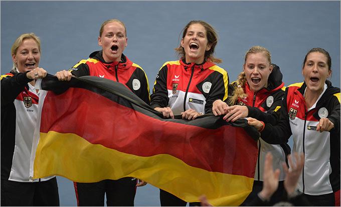 Сборная Германии уверенно вышла в полуфинал