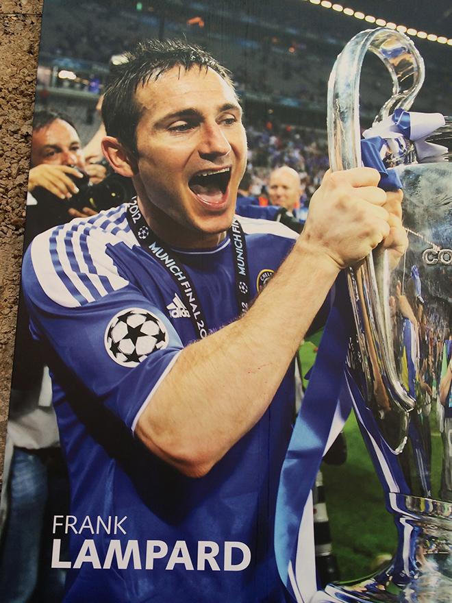 """Особое место у Фрэнка Лэмпарда – несмотря на его переход в """"Манчестер Сити"""" он тут по-прежнему Бог. А вовсе не Иуда"""