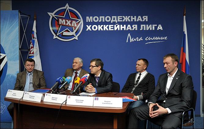 """Пресс-конференция посвящённая участию """"Red Stars"""" и """"Red Stars Junior"""" в серии товарищеских матчей в США и Дании."""