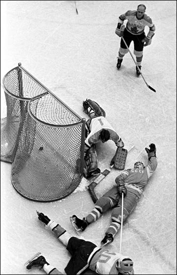 Решающий гол Вячеслава Старшинова в ворота сборной Канады на Олимпиаде-1964
