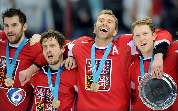 Пётр Часлава (крайний слева)