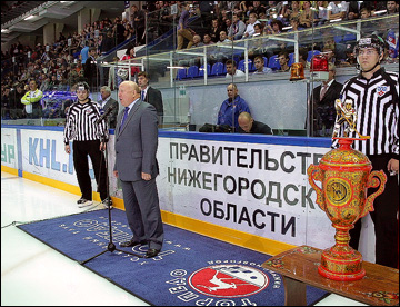 "Губернатор Валерий Шанцев матчи ""Торпедо"" не пропускает"