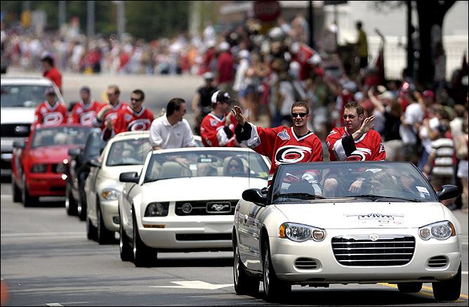21 июня 2006 года. Роли. Парад, посвященный завоеванию Кубка Стэнли