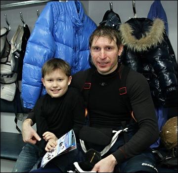 Андрей Никитенко (справа)