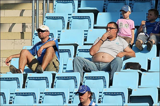 Пустеющие стадионы