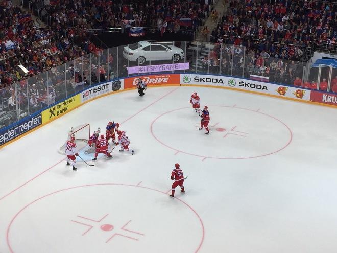 Атака сборной Дании