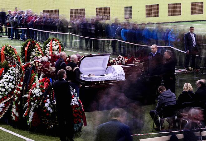 Проститься с Фёдором Черенковым пришло порядка 15 тысяч человек