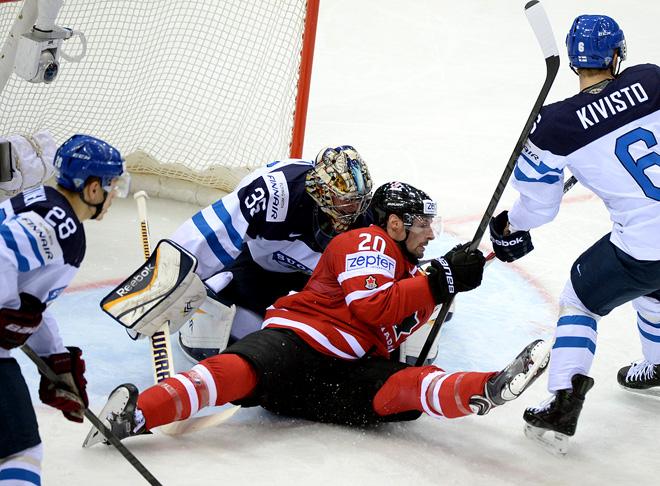 Фрагмент матча Канада — Финляндия