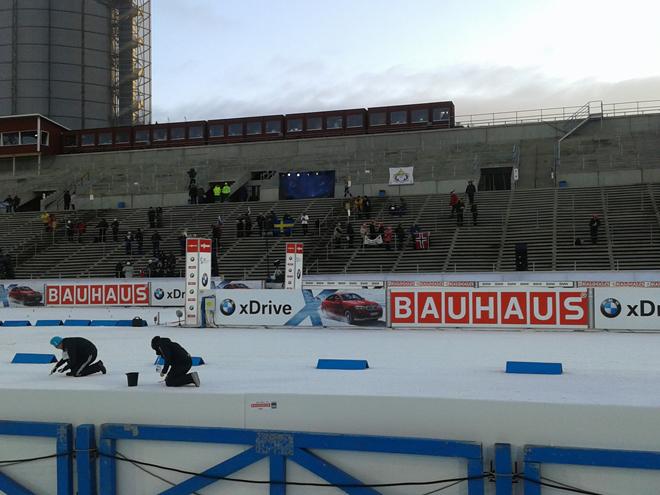 Пустые трибуны стадиона в Эстерсунде