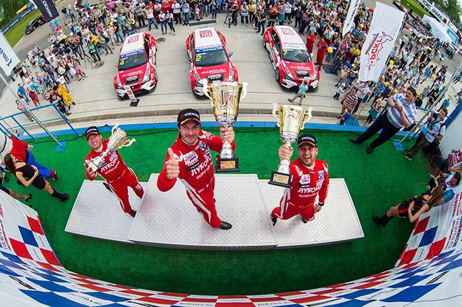 Команда Lukoil Racing – хет-трик в самом престижном классе «Туринг»